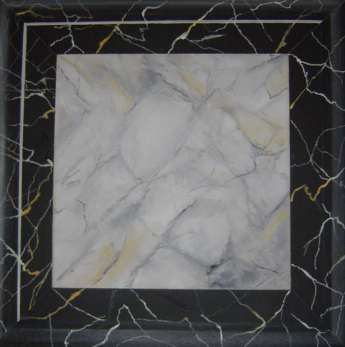 Breche grise (grauer Brekzienmarmor) und schwarz-gelber Marmor(Noir-Saint- Laurent)